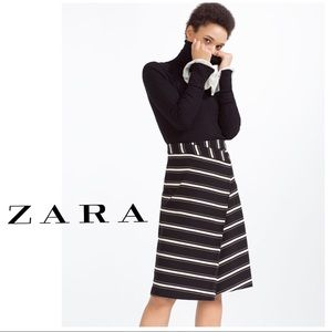 Zara Black&White Stripe Stretch Warp Mid Skirt